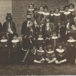 Groepsfoto KSA jaren 1940 in toneeltenue